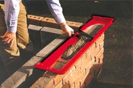 Каким инструментом пользоваться при кладке кирпича