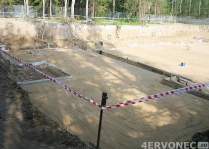 Выравнивание площади под фундамент