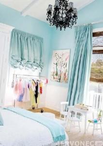 Спальня с избыточным освещением