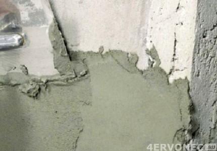 Наносим штукатурку на бенную стену