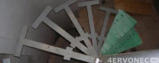 лестница с приваренными консолями