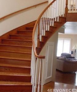 Фото лестницы, покрытой лаком