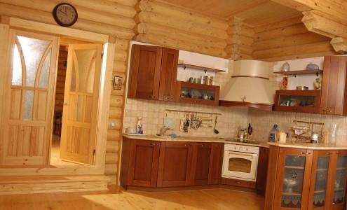 Отделка в деревянном доме материалами из древесины