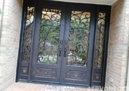 Кованые двери сложной структуры