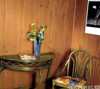 Отделка пластиковыми панелями, имитирующими деревянную доску