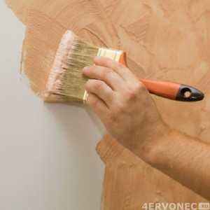 Нанесение текстурных красок кистью