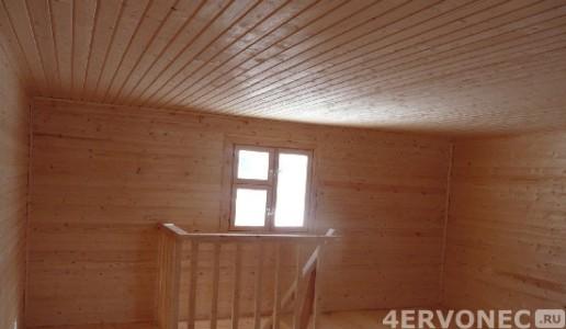 Фото помещения с полной облицовкой вагонкой