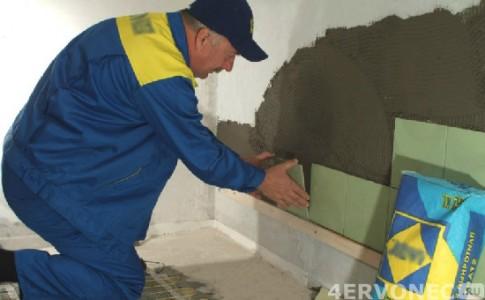 Монтаж рядов керамической плитки