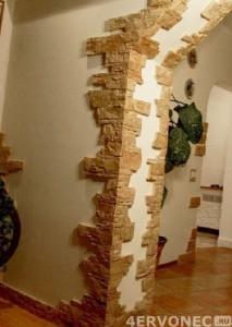 Отделка углов арки декоративным камнем