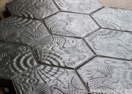 Глянцевая плитка в форме сот с перфорацией на поверхности