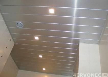 Сайдинг в качестве материала для обустройства потолка