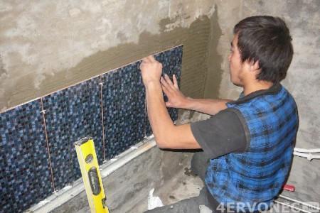Установка направляющей планки для укладки плитки