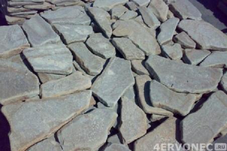 Раскладка натурального камня перед отделкой