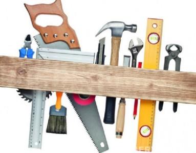 Инструменты для обшивки балкона вагонкой