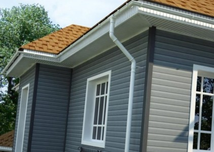 Фасад дома, обшитый виниловым сайдингом