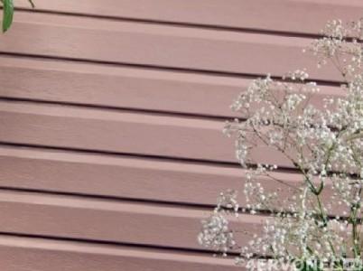 Аккуратная поверхность винилового сайдинга