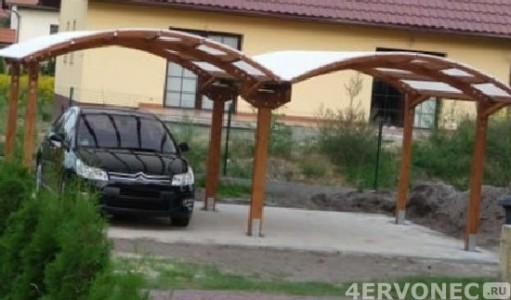 навесы под автомобиль из деревянного каркаса